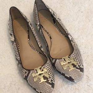 Tory Burch Raleigh Snake Skin Gray Gold Flat